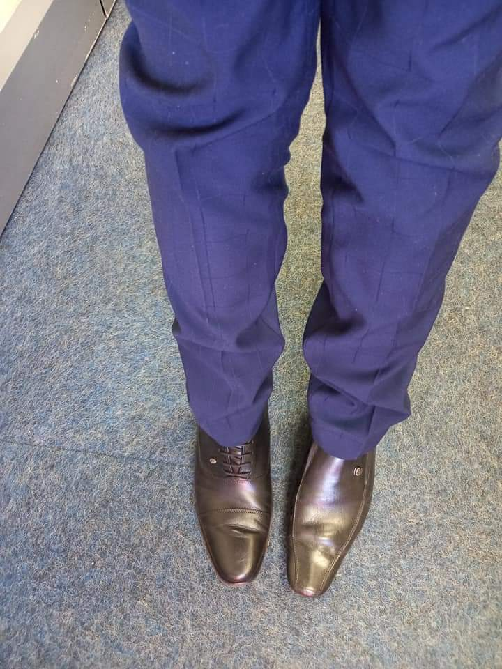 People respond to the Lawyer who mistakenly wore two different shoes to court.